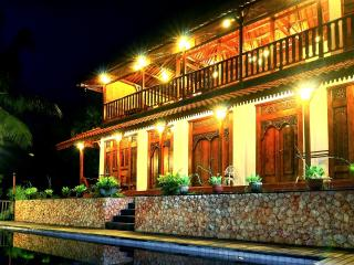 5 Bedroom Javanese Villa with Seaview