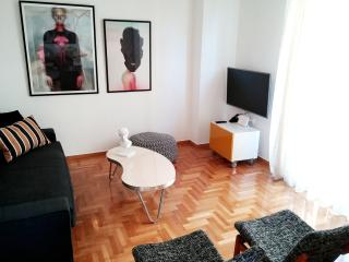 Stylish new 1-bedr Kolonaki apartment!