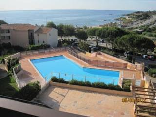 2 Bedroom Apartment in St. Aygulf, Roquebrune-sur-Argens