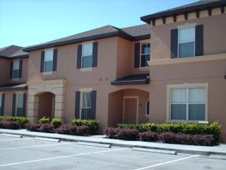 4 bed 3 bath Town home at Regal Oaks
