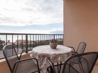 Cozy Modern Apartment in Makarska