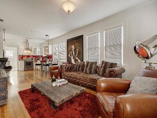 Stylish Remodel! 2BR in Hip South Congress – Walk to Shops, Dining & Music