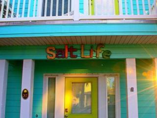 4BR/4.5BA Vibrant 'Salt Life' House, Calendar Open for Fall Reservations!, Port Aransas