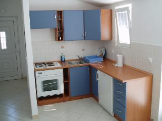 Apartment Blue for 6 with balcony, Vodice