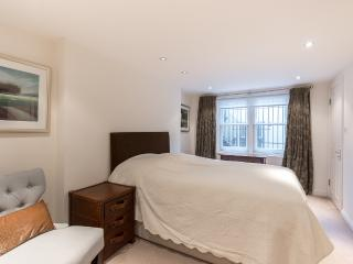 Five bed large town house in Knightsbridge, London