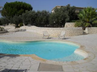 Villa a Marina di Ragusa con piscina