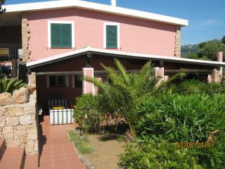 villa con campo da tennis a 1800 m dal mare, Costa Paradiso