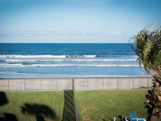 WOW! 3/2 Oceanfront Horizons 2nd floor, Daytona Beach