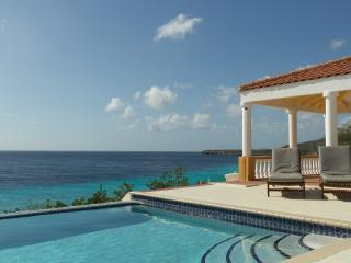 Colonial Villa, beautiful ocean fron villa in typical Curacao style. Wonderful!