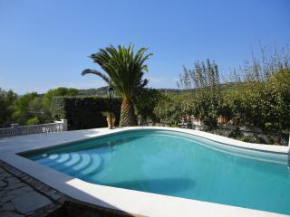 Els Blancais, casa adosada con jardin y piscina