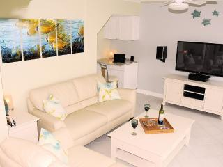Newly Renovated in 2015: End Unit, gulf-front, Panama City Beach