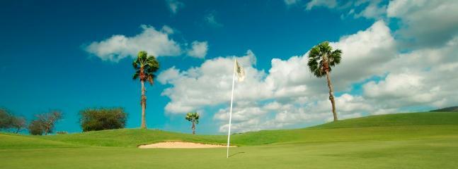 18 holes Blue Bay Golf course