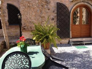 Romantic Roman House with giardino-City and sea, Terracina