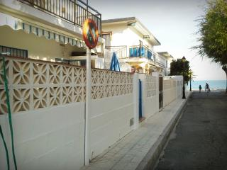 Holiday apartment by the beach, La Cala de Mijas