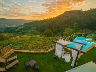 Casa com requinte, lareira, sauna, piscina..., Soajo