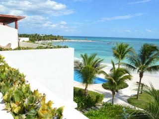 NICE 3 BDRM PH NEXT TO THE BEACH, 7th NIGHT FREE!, Playa Paraiso