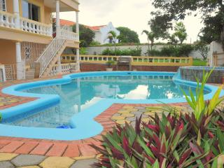 Olcam Lodge Villa - Pool and Private Beach Access