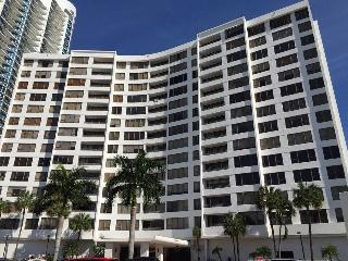 Oceaview Condo in Hollywood, FL