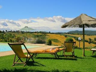 AGRITURISMO in TOSCANA con piscina vicino al mare