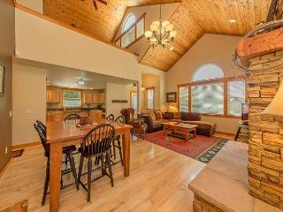 Upscale Vacation Home Near Suncadia! Slps 11 | Hot Tub | FREE NIGHTS!, Cle Elum