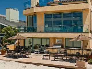 Oceanfront Tuscan villa on the sand at Hollywood Beach!!, Oxnard