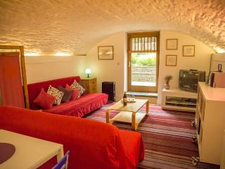 Riverside Basement Apartment, Hay-on-Wye