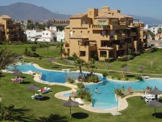 Apartment Rental Front Line Beach Los Granados II, Puerto de la Duquesa