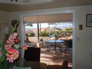 Nice Lake View - Peaceful Retreat - Utilities Inc!, Lake Havasu City