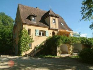 Holiday country home with private pool, Masclat