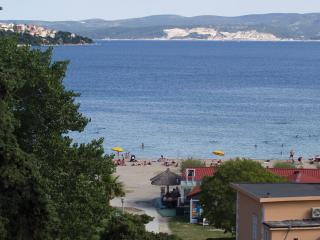 Beautiful 3 bedrooms (6+1) apartment in the center, Omis