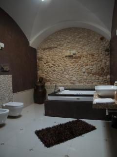 Bathroom with Jacuzzi for two
