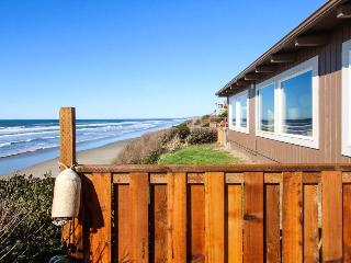 Spacious oceanfront, single-level home with private hot tub. Dogs okay!