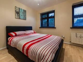 Trendy & Cosy Double Room + Parking, Dagenham