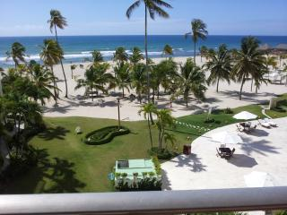 Vacation Beachfront & Caribbean Sea view  Condo, Juan Dolio