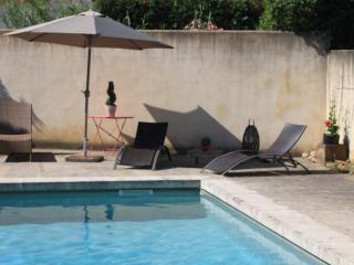 Les Mazets de Pascale- Charming 1 Bedroom Cottage in St Remy de Provence, Saint-Rémy-de-Provence