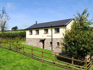 DREWSTONE ARCHES, barn conversion, woodburner, enclosed garden, parking, near