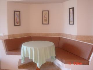 Comfortable dining area fully airconditioned hot and cold