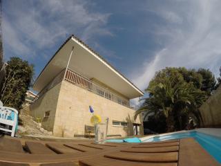 Villa Nadia * casa con piscina y jacuzzi