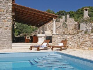 TERACE WITH POOL