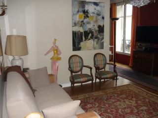 Cosy flat between Opera and Montmartre, Paris