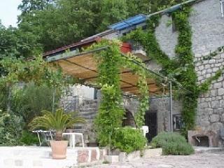 Stonehouse Mimi, Budva