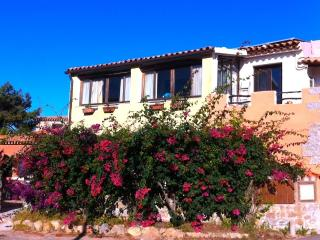 Spacious and  bright apartment 10 min. from beach., Santa Teresa di Gallura