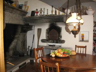 PATRIZIERHAUS 'CASA AL POZZO', am Badefluss, Ascona