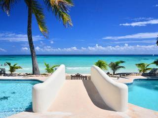 Villa Caribe Oceanfront Maven, Playa del Carmen
