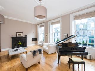 Elegant Georgian Townhouse, Edimburgo