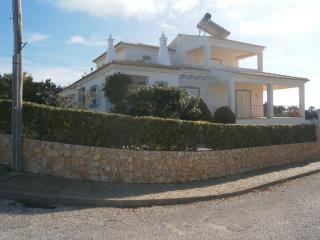 Villa Solarium with private pool near the centre, Carvoeiro