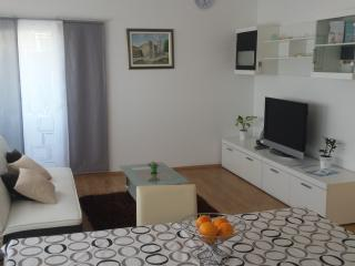 Apartment Ana( 4+2 )-Sea View, Podstrana