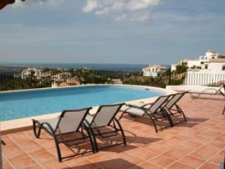 Villa Bello Ocaso, Sea and Mountain views, lg pool, Pego