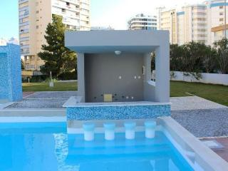 Caymmi Red Apartment, Portimao, Algarve