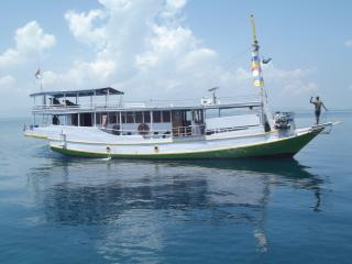 Wonder Komodo Rent Boats